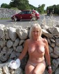 Donna Outdoors Naked